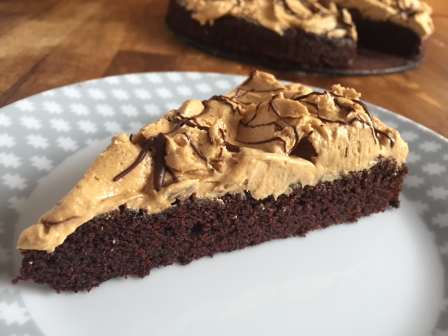 Saftiger Schokoladenkuchen Mit Erdnussbutter Creme Gf